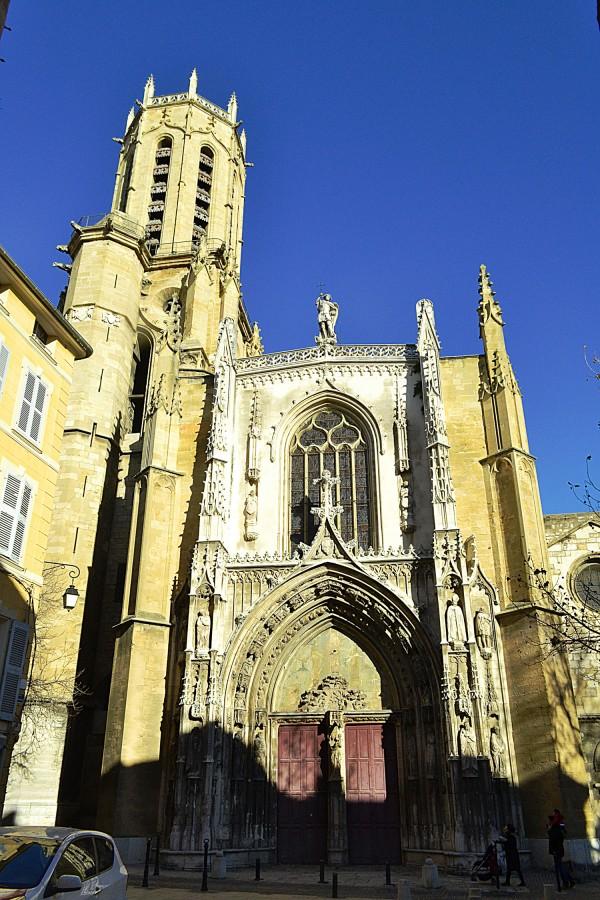 Готический храм Eglise Saint-Jean-de-Malte