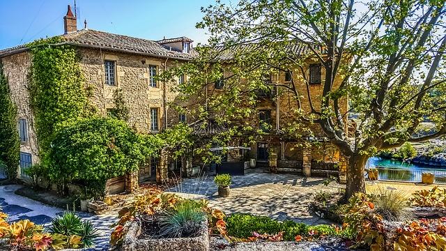 Дома на юге франции фото цены на недвижимость в греции